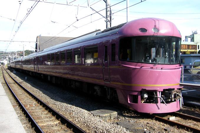 JR東日本の485系ジョイフルトレ...