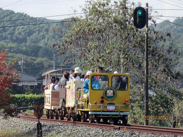 旧・JR上山田線で「トロッコフェ...