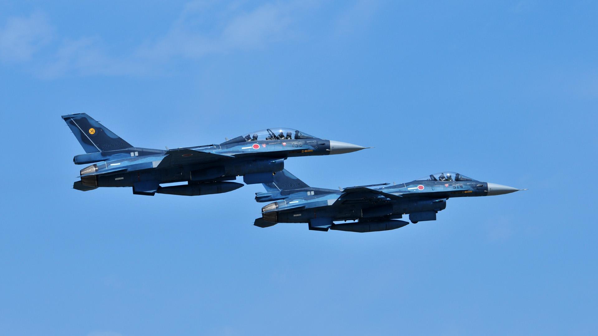 F 2 (航空機)の画像 p1_37